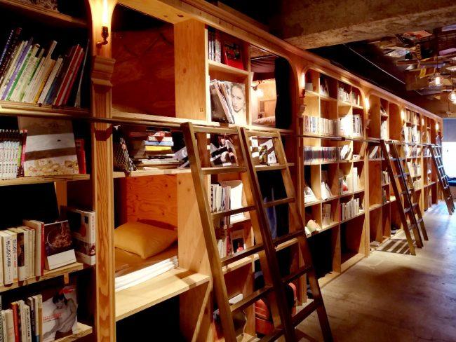 BOOK AND BED TOKYO 池袋 本棚